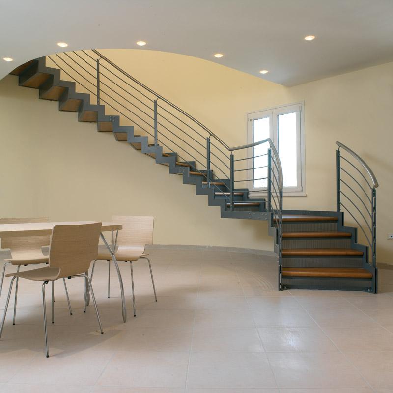 Lucacrea progettazione realizzazione e posa in opera di scale e complementi d 39 arredo in ferro - Scale e soppalchi per interni ...