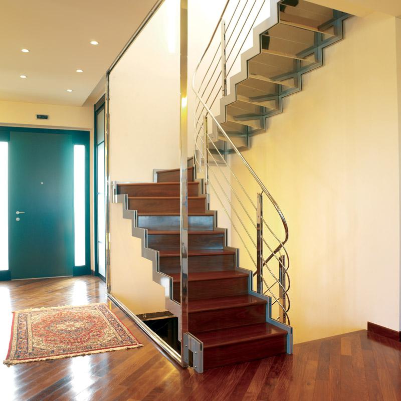 Popolare LUCACREA - progettazione, realizzazione e posa in opera di scale e  GU53